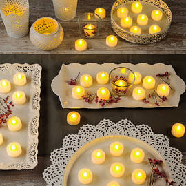 Extra Bright Plastic Flameless Battery Tea Lights, Set of 100