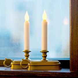 Olde English Flameless Window Candle, Set of 2