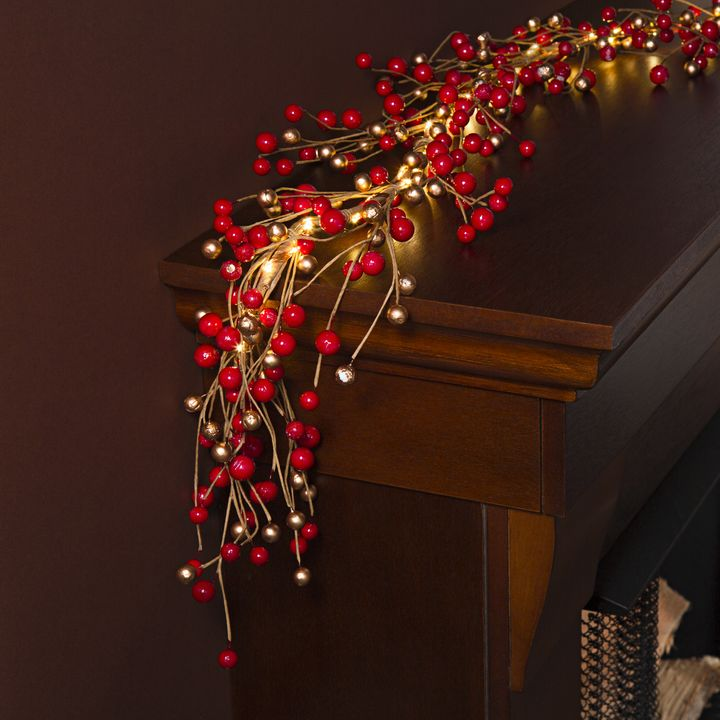 LED Holiday Berry Garland with 100 LEDs