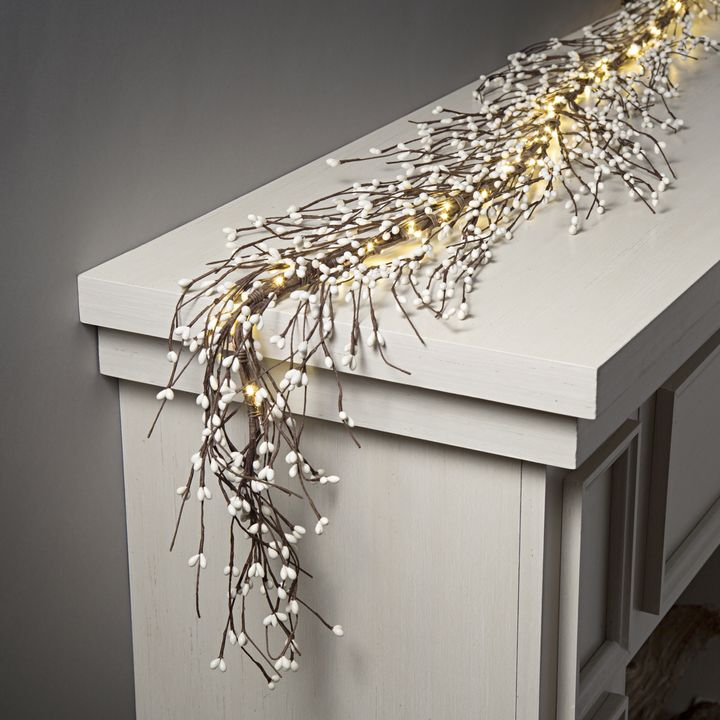 White Berry Garland with 100 LEDs