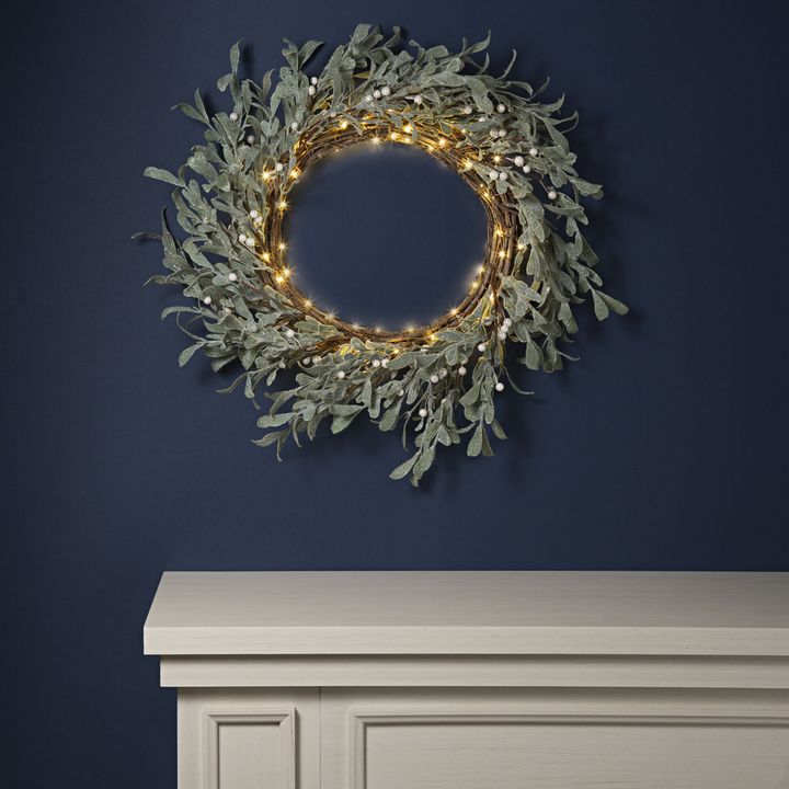 Frosted Mistletoe Wreath with 75 LEDs